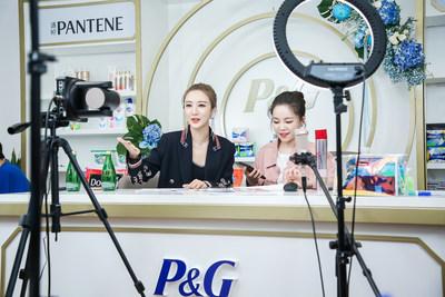 Viya hosting a live stream from P&G's broadcast studio (PRNewsfoto/P&G)