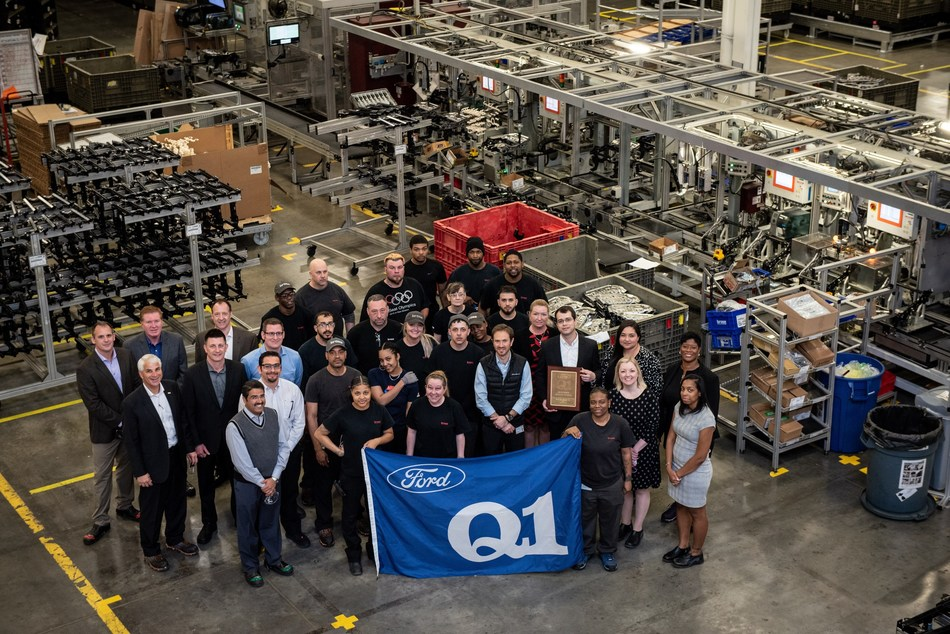 Team members responsible for assembling Ford seat products at Brose's New Boston plant celebrate the Q1 milestone with Brose management and Ford representatives.