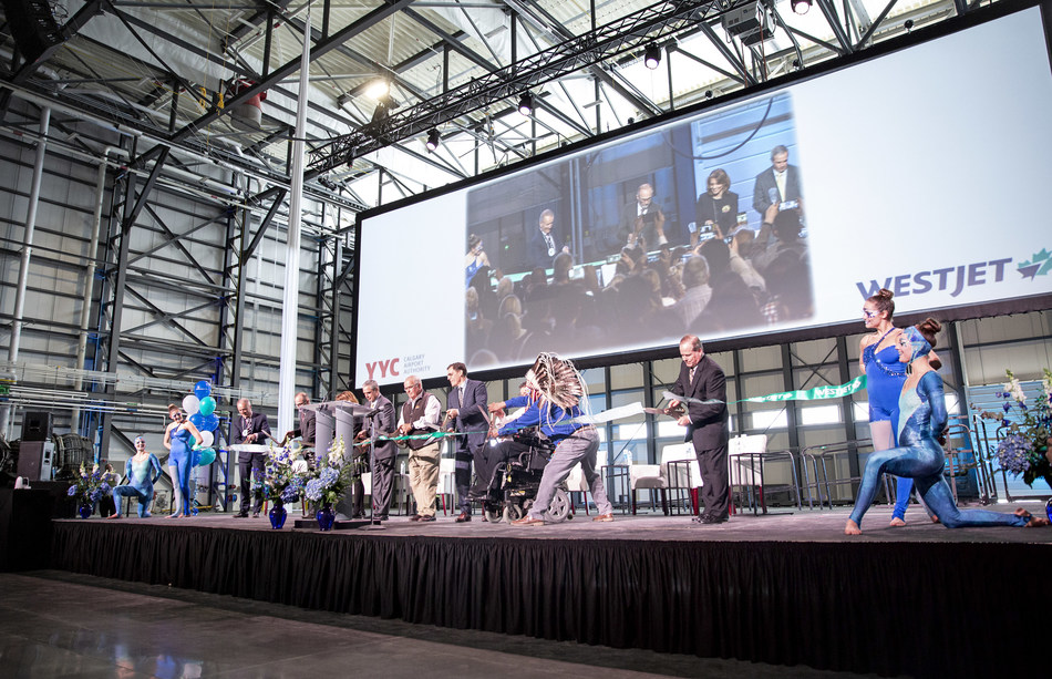 WestJet today celebrated the opening of its new Dreamliner maintenance hangar at its hub at Calgary International Airport (YYC) (CNW Group/WESTJET, an Alberta Partnership)