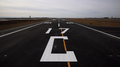 Dallas Fort Worth International (DFW) Airport's Runway 17C/35C rehabilitation project. (Image courtesy of Dallas Fort Worth International Airport.)