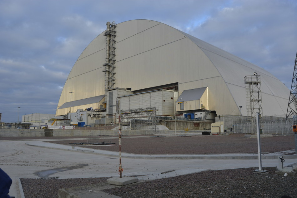 During final commissioning of equipment installed in the Chernobyl New Safe Confinement arch, workers tested remote-operated tools that will be used in the future dismantlement of the damaged reactor and adjacent structure. Credit: European Bank for Reconstruction and Development