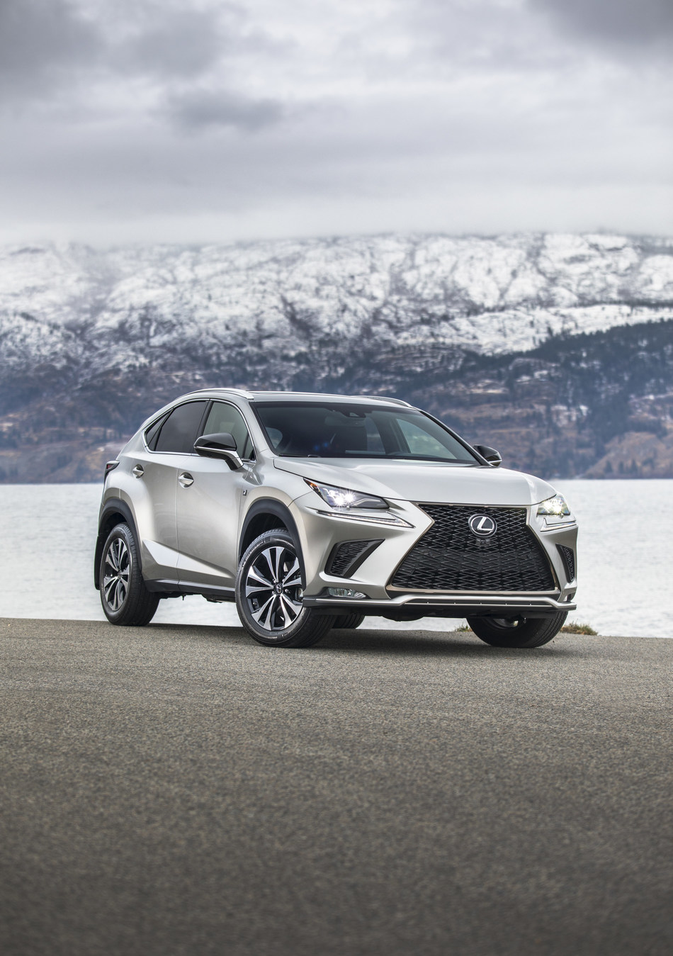 Toyota Motor Manufacturing Canada (TMMC) announced today that it will begin producing the top-selling Lexus NX and Lexus NX Hybrid compact luxury SUVs at its Cambridge, Ontario facility starting in early 2022. (CNW Group/Toyota Canada Inc.)