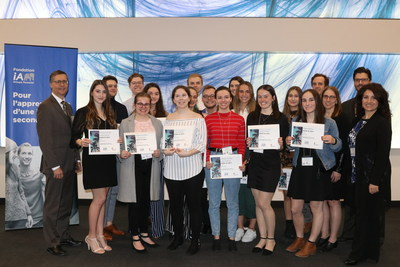 Cégep Limoilou scholarship recipients with Denis Ricard, President and Chief Executive Officer of iA Financial Group (CNW Group/Industrial Alliance Insurance and Financial Services Inc.)