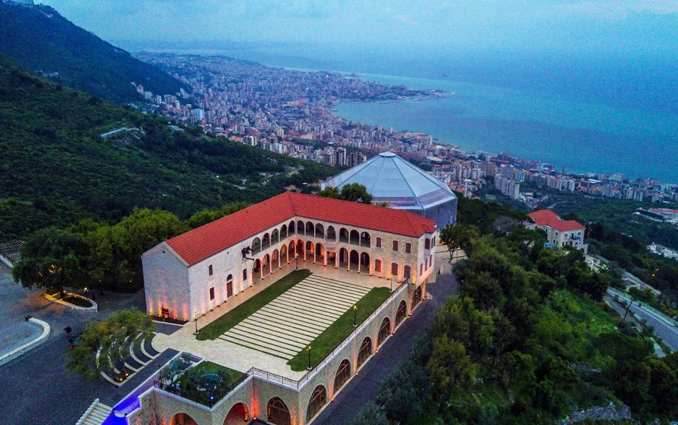 Chateau Rweiss Panoramic: An ancient Chateau nestled on a hilltop overlooking Jounieh's bay (PRNewsfoto/Chateau Rweiss)