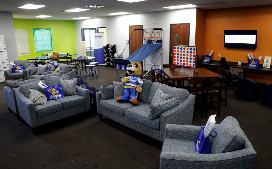 Aaron's, Inc., a leading omnichannel provider of lease-purchase solutions, and its divisions Aaron's and Progressive Leasing, surprised Las Vegas teens last Wednesday with a freshly remodeled Keystone Teen Center at the Boys & Girls Clubs of Southern Nevada, Southern Highlands Unit. The Southern Highlands Unit makeover was made possible by Aaron's in-kind donation of furniture, electronics and appliances valued at $24,000, and the hard work of the company's associates.