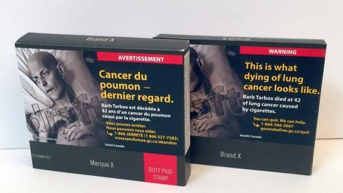 Exemple d'emballage neutre et standardisé (paquet à tiroir), obligatoire en 2022 au Canada (Groupe CNW/Coalition québécoise pour le contrôle du tabac)