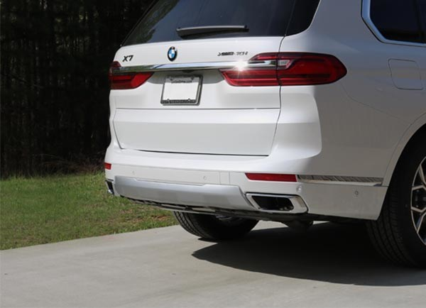 Stealth Hitches BMW X7 (G07) installed on vehicle