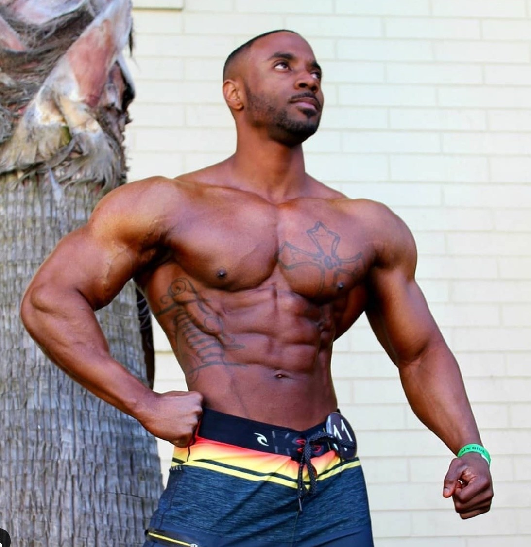 IFBB Pro Chris Henderson signs with Mon Ethos Pro