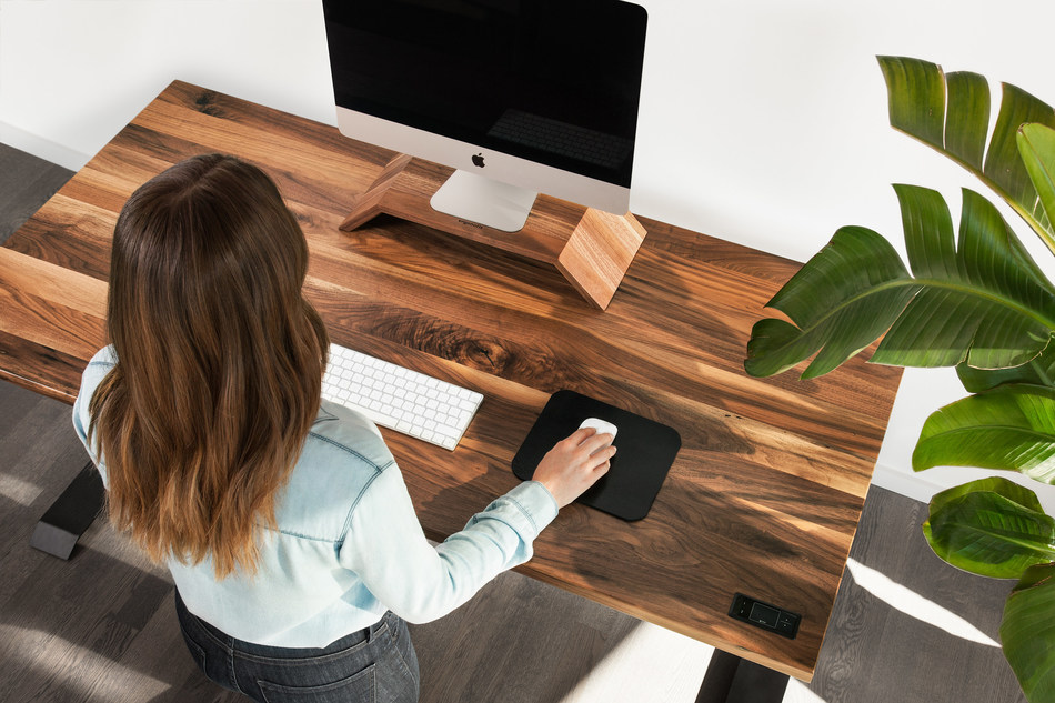 ergonofis, a Canadian wellness and lifestyle brand, offers thoughtfully designed office furniture and accessories to inspire, increase productivity and support the overall wellness of the modern worker. (CNW Group/ergonofis)