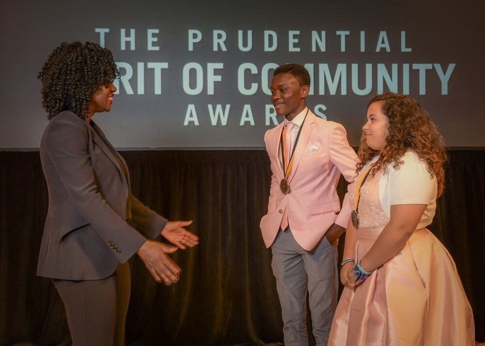 Award-winning actress Viola Davis congratulates Adom Appiah, 15, of Spartanburg (center) and Jazmine Sepulveda, 13, of Rock Hill (right) on being named South Carolina's top two youth volunteers for 2019 by The Prudential Spirit of Community Awards. Adom and Jazmine were honored at a ceremony on Sunday, May 5 at the Smithsonian's National Museum of Natural History, where they each received a $1,000 award.