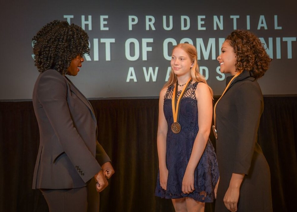 Award-winning actress Viola Davis congratulates Jasmine White, 14 of Beaverton (center) and Shayla Montgomery, 17, of Milwaukie (right) on being named Oregon's top two youth volunteers for 2019 by The Prudential Spirit of Community Awards. Shayla and Jasmine were honored at a ceremony on Sunday, May 5 at the Smithsonian's National Museum of Natural History, where they each received a $1,000 award.