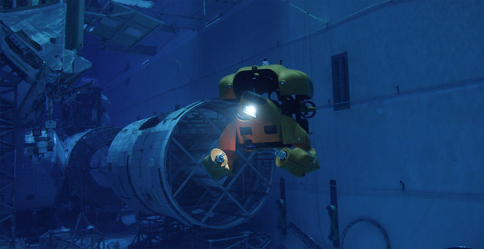 Aquanaut completing a self inspection in ROV mode