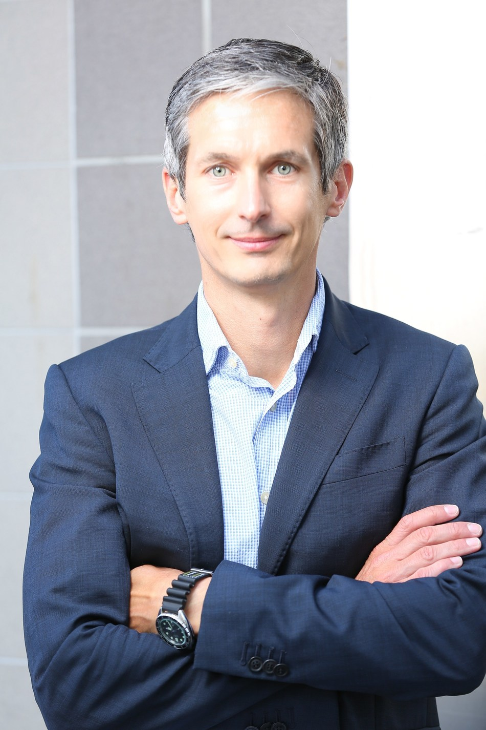 Andreas Bodczek empowers the IDnow team as new CEO.
