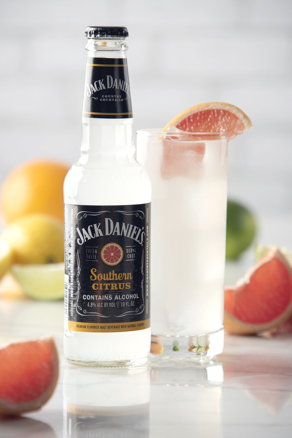 Jack Daniel's Country Cocktails (JDCC) announces the launch of its newest flavor, Southern Citrus. JDCC Southern Citrus is a blend of grapefruit and citrus flavors, featuring light and crisp citrus aromas, complimented by soft hints of Jack Daniel's Tennessee Whiskey.