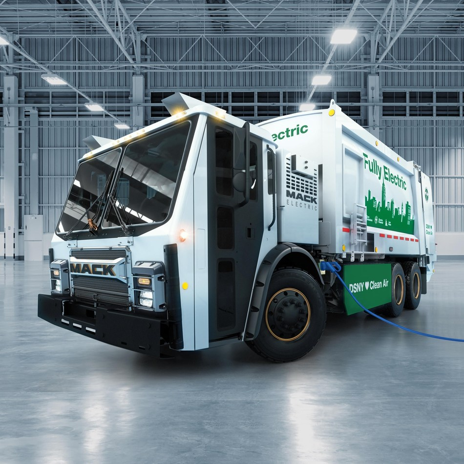 Mack Trucks unveiled today its highly anticipated Mack® LR battery electric vehicle (BEV) at WasteExpo 2019. Equipped with a fully electric Mack integrated drivetrain, the demonstration model will begin real-world testing in 2020 in the demanding operations of the New York City Department of Sanitation (DSNY).