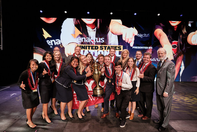 Enactus President and CEO Rachael Jarosh and Enactus US Acting President Chris Mills (back/right) celebrate with the team from Brigham Young University-Hawaii that was named the 2019 Enactus United States National Champion May 7 at the Enactus United States National Exposition, presented by Hallmark Cards, Inc., at the Kansas City Convention Center, Kansas City, MO. In addition to the title, the team was awarded $10,000 in prize money.