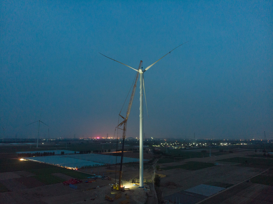 XCMG Sets New World Record as XCA1600 Installs Highest Impeller on Windfarm.