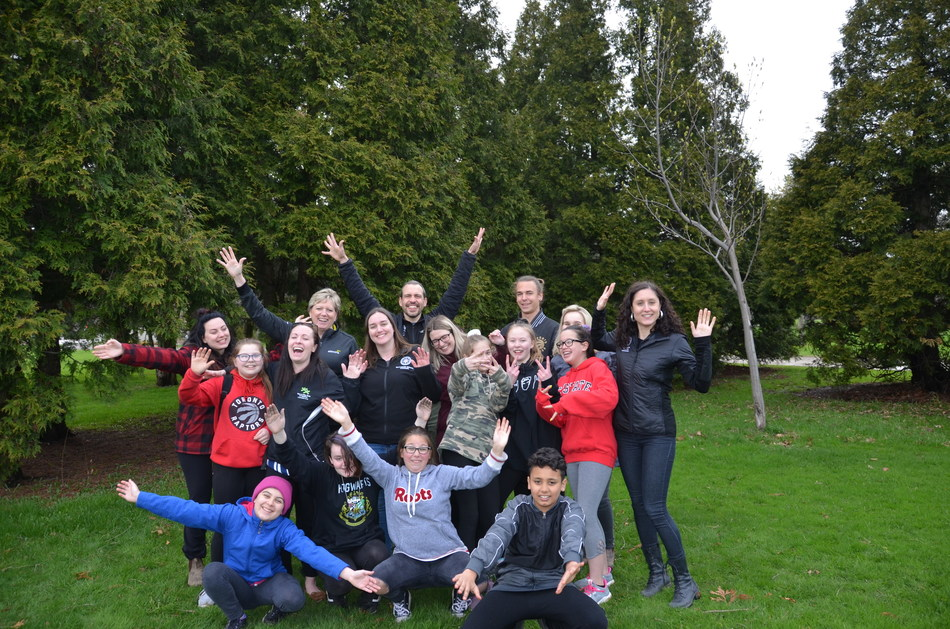Kathy Lerette, SVP Business Transformation, with youths enrolled in the Outward Bound program (CNW Group/Alectra Utilities Corporation)