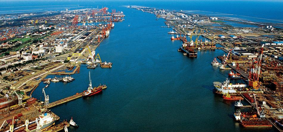 A view of Tianjin's ports (PRNewsfoto/Tianjin Municipal Government)