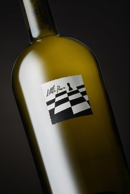 CheckMate Artisanal Winery awarded Canada's first perfect 100-point score for its 2015 Little Pawn Chardonnay. (CNW Group/CheckMate Artisanal Winery)
