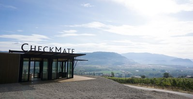 View from the 'pop-up' tasting room at CheckMate Artisanal Winery, Okanagan Valley, British Columbia. (CNW Group/CheckMate Artisanal Winery)