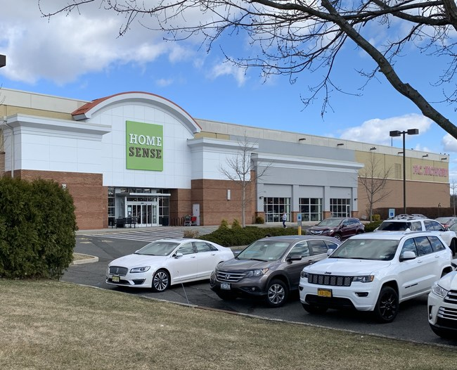 R.J. Brunelli brokered the lease for the Homesense store at the Manalapan EpiCentre in its capacity as exclusive leasing agent for the 460,000-square-foot property.