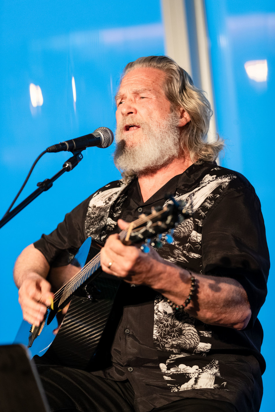 Jeff Bridges performing at Bay Area Lyme Foundation's LymeAid 2019. Bridges highlighted the challenges of a Lyme disease diagnosis that his friend Kris Kristofferson and many others have faced.
