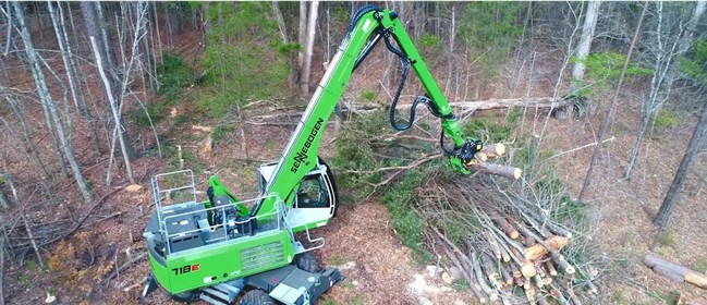 The SENNEBOGEN 718E tree-handler is able to dismantle and stack acres of trees in only days, all while protecting the operator and not exposing other tree workers to the typical dangers involved in tree removal.