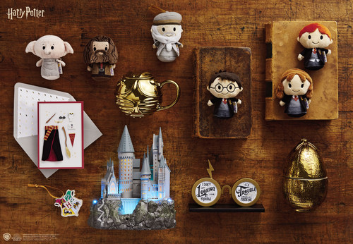 Hallmark is expanding its selection of exclusive Harry Potter™ gifts and collectibles making Hallmark Gold Crown® stores a go-to destination for fans of the Wizarding World.