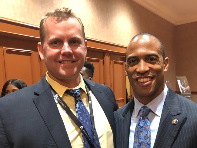 Mike Harris, Managing Director of CREModels (l.), with Scott Turner, Executive Director of the White House Opportunity and Revitalization Council, at the Opportunity Zone Expo in Las Vegas