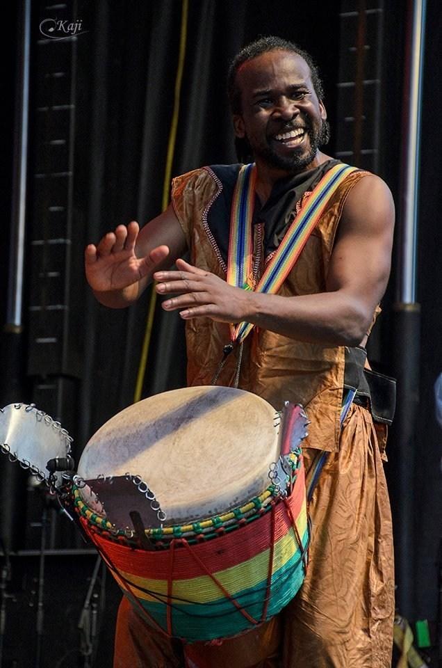 Carrefour du monde, avec Adama Daou le 26 mai, à 20 h, à la Maison culturelle et communautaire. (Groupe CNW/Arrondissement de Montréal-Nord (Ville de Montréal))