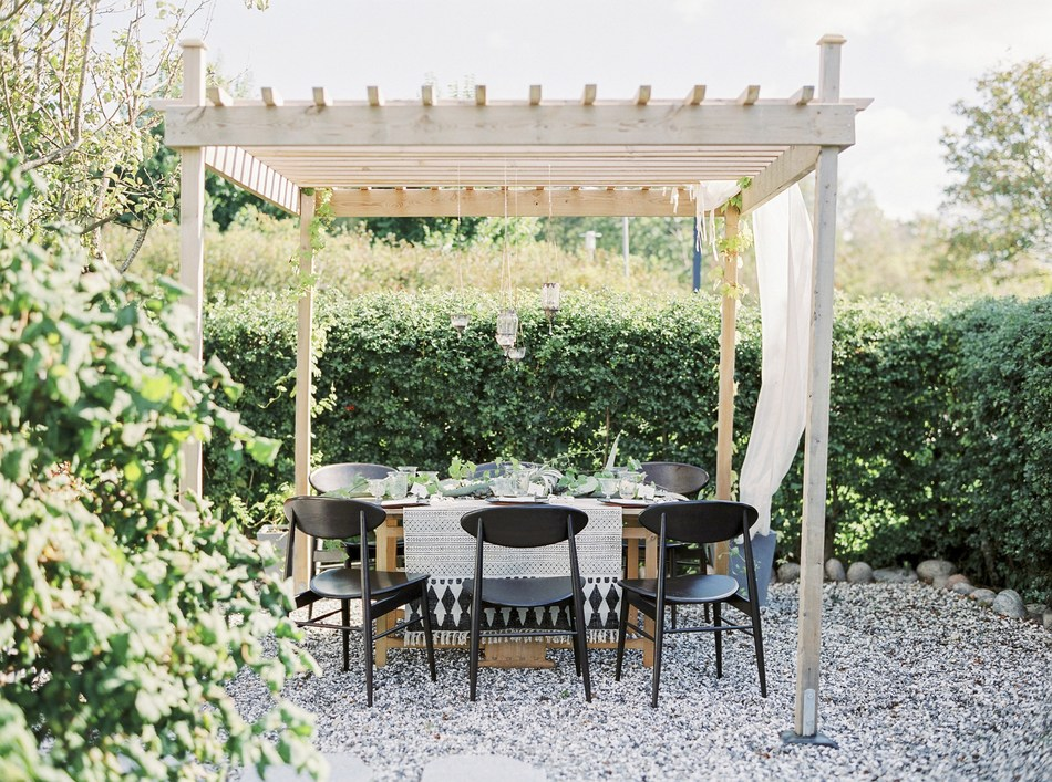Minimalism to the Max – Zillow's Top 5 Outdoor Living Trends in 2019