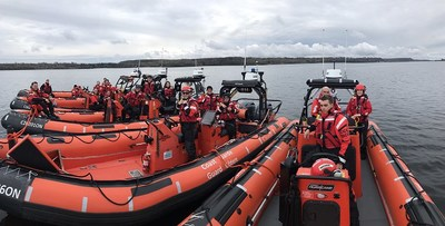 Student crews take a break from an on-the-water exercise while training for their upcoming Inshore Rescue Boat station season, which is now underway (CNW Group/Fisheries and Oceans Central & Arctic Region)