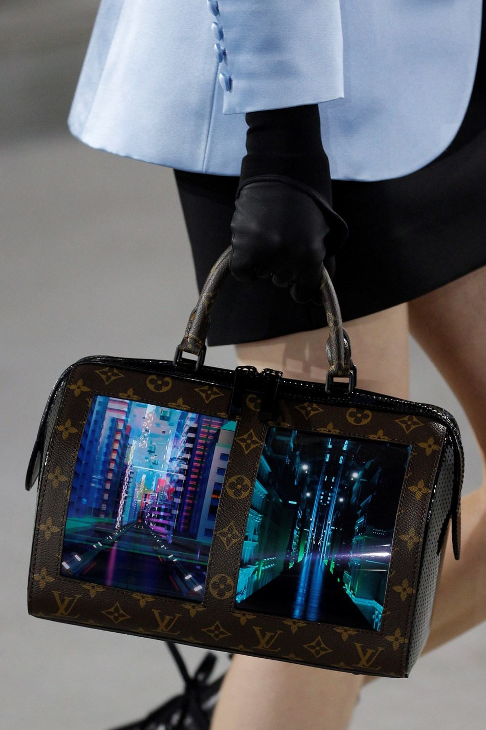 Louis Vuitton bag with Royole's flexible screen