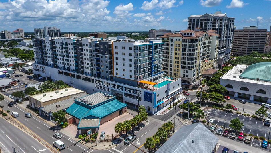 Hunt Sells $80 Million Rental Apartment Property in Sarasota, FL