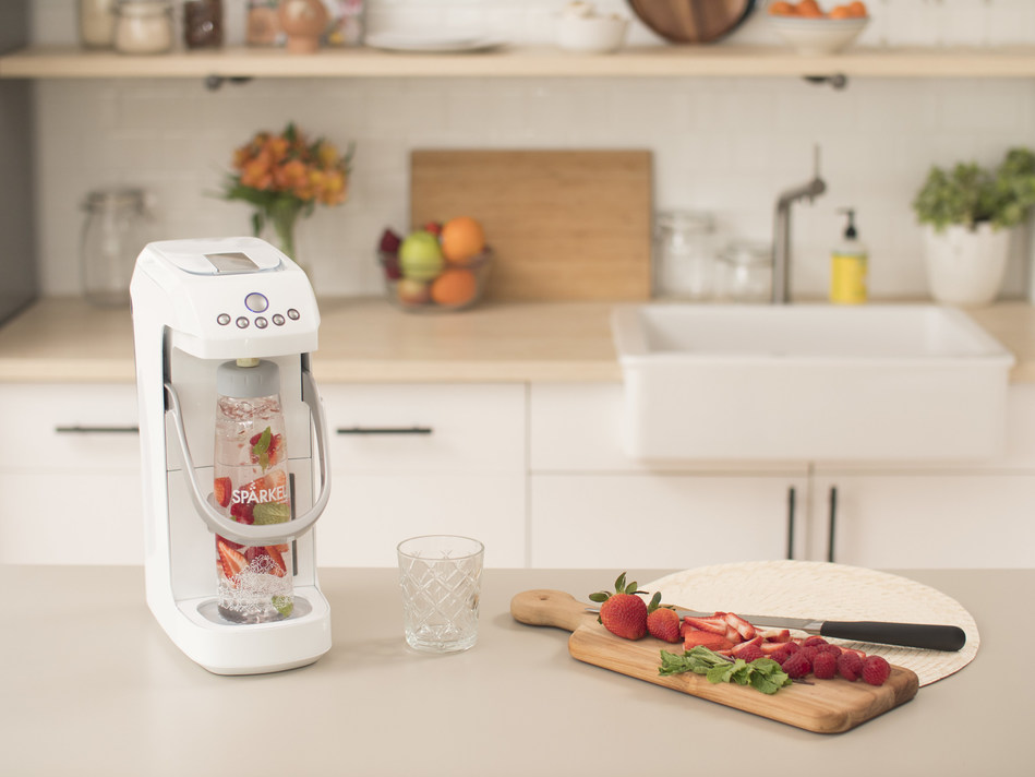 Spärkel, the innovative sparkling beverage system that infuses real ingredients and bubbles into drinks at the touch-of-a-button without a CO2 tank