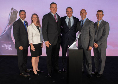 Lear Team Accepts the GM Supplier of the Year Award