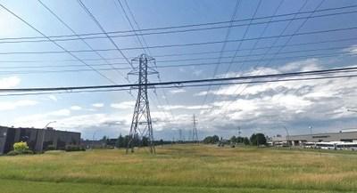 Boulevard Thimens, avant et après (Groupe CNW/Ville de Montréal - Arrondissement de Saint-Laurent)