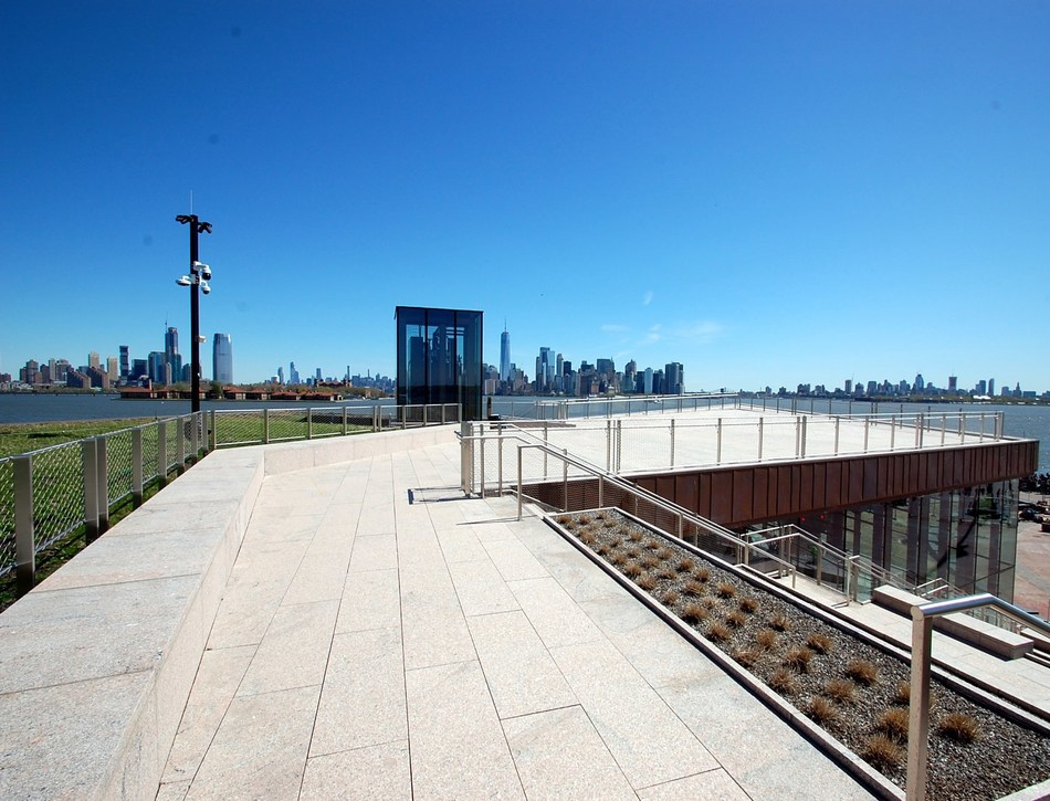 Phelps Construction Group of Boonton, NJ completes 26,000 square foot Statue of Liberty Museum on Liberty Island. The multi-faceted three-dimensional structural steel roof system is clad with an expansive green roof complete with native vegetation and panoramic views of New York City.