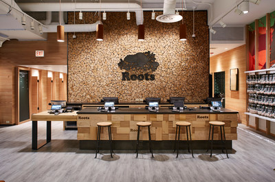 Roots Chicago: Checkout desk (CNW Group/Roots Corporation)