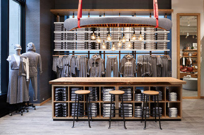 Roots Chicago: Salt & Pepper 'Sweat Bar' (CNW Group/Roots Corporation)