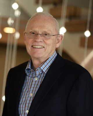 Frank M. Sands Sr. (MBA '63) Donates to UVA Darden the Largest Gift in School History