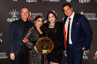 L to R: Eric Baptiste, CEO of SOCAN; Anachnid, TD Indigenous Songwriter Award Recipient; Charlie Wall-Andrews, Executive Director of SOCAN Foundation; James Baxter, TD Branch Manager. Photo Credit: Brad Ardley. (CNW Group/SOCAN)