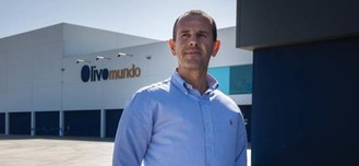 Mr. Jose Gonçalvez of Olivomundo, one of Deoleo and Bertolli's sustainable partners.