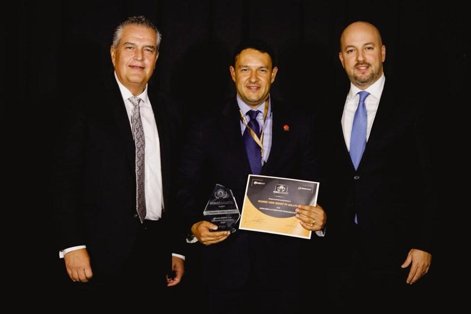 Kevin Luis Gutierrez Trevino, representing Huawei, receives the award