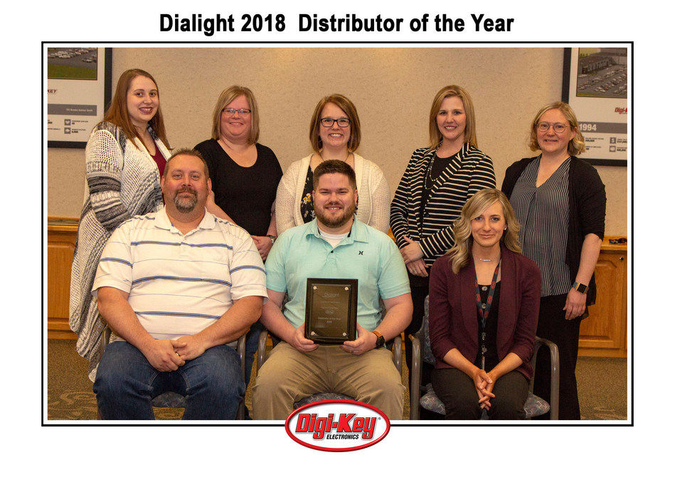 Digi-Key Team with the Dialight 2018 Distributor of the Year Award