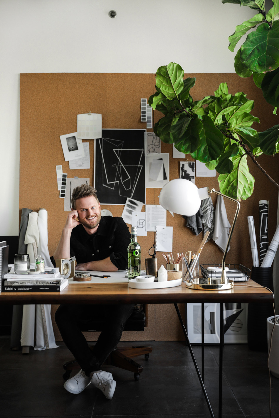 Bobby Berk takes on Ecco Domani® bottle for his latest design project.