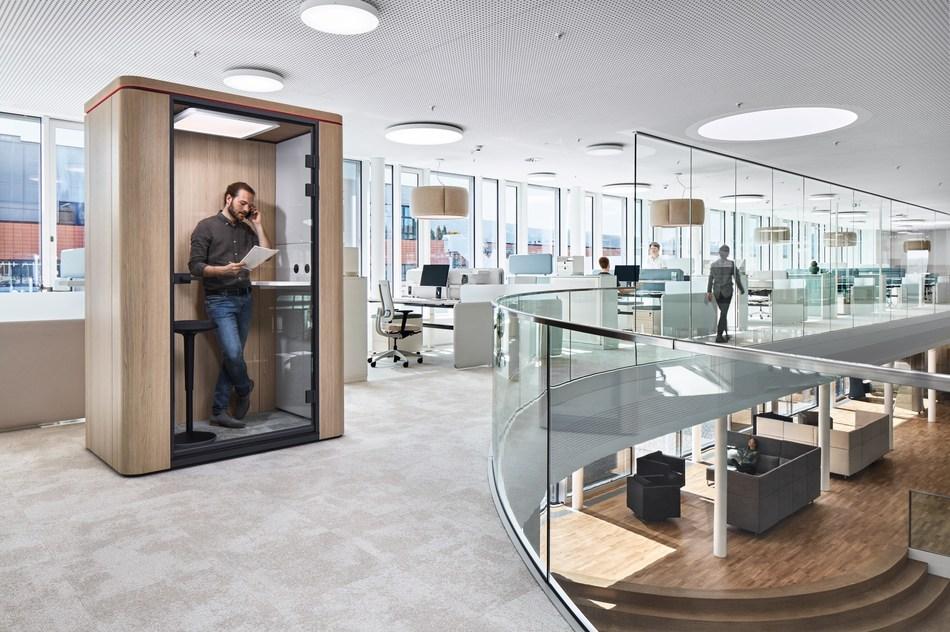 Smart working with Sedus office furniture / Daniel Gerteiser