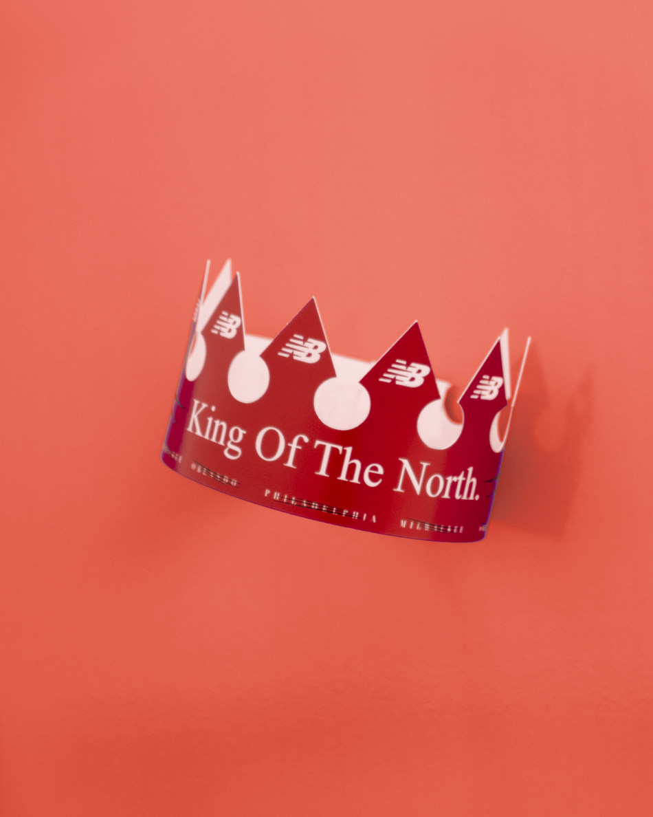 """Ahead of Game 2 tipoff, Torontonians in select areas will have a chance to be dubbed with a New Balance branded """"King of the North"""" crown. (CNW Group/New Balance)"""