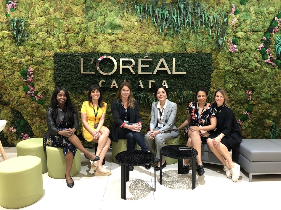 From left to right : : Takara Small, Venture Kids; Chloé Freslon, URelles; Isabel Galiana, Saccade Analytics; Margaret Magdesian, Ananda Devices; Anouk Charles, Luana Games; Julie Dufresne, Retiredjob.ca (CNW Group/L'Oréal Canada Inc.)